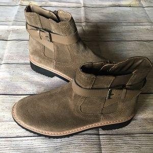 Bongo Women's boots NWOT